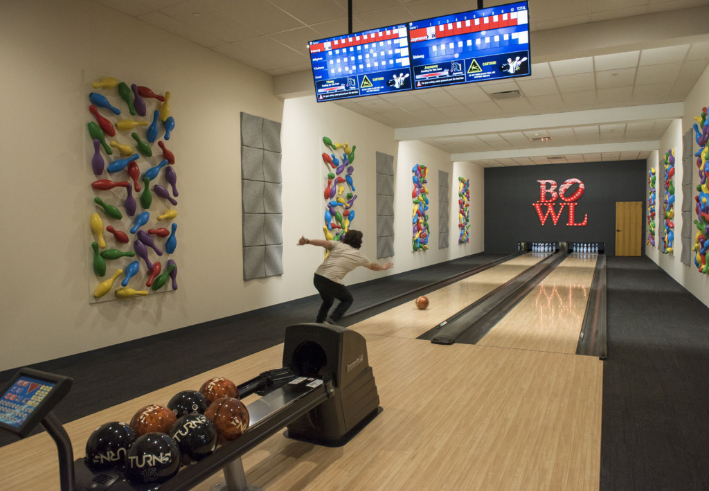 TURN5_BOWLING_ALLEY