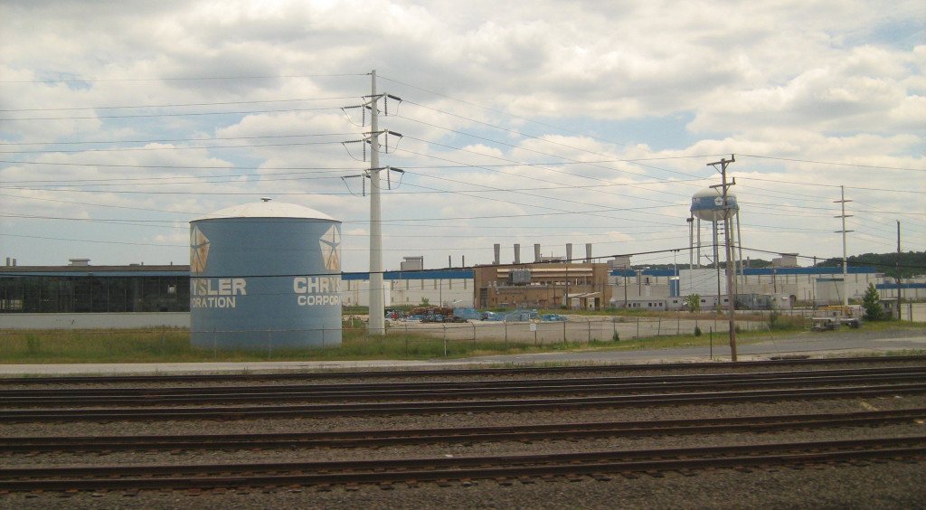 Newark_Assembly_Facility_grounds_viewed_from_Amtrak